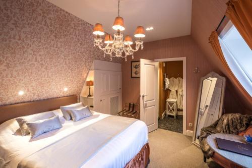 Hotel De Castillion - Small elegant hotel Двухуровневый четырехместный семейный номер