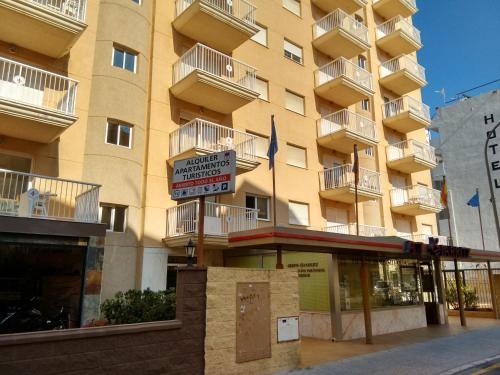 . Apartamentos Turisticos Biarritz - Bloque I