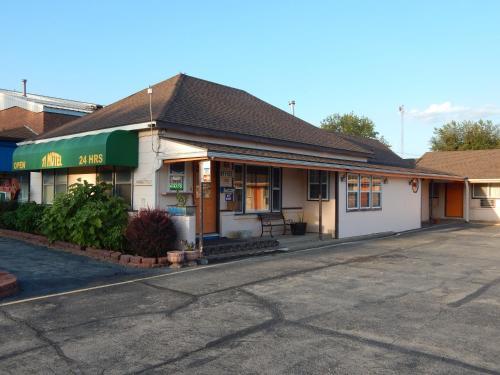 . 71 Motel