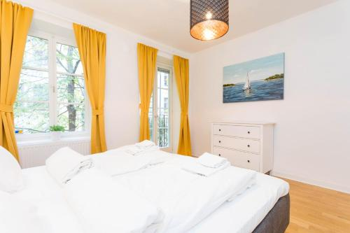 ApartDirect Sveavägen photo 83