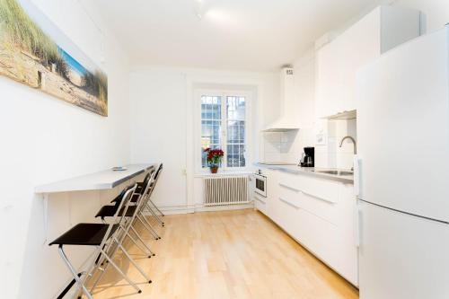 ApartDirect Sveavägen photo 85