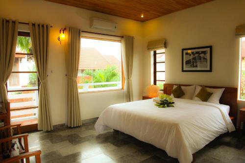 Фото отеля Charming Homestay
