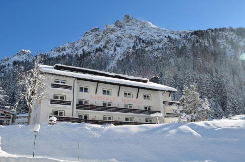 . Alpenhaus Montafon
