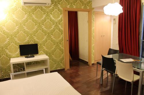 Apartaments Ciutat Vella photo 56