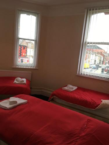 The Glenbuck Hotel Anfield picture 1 of 11