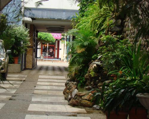 Hotel La Cascada   Lago Agrio