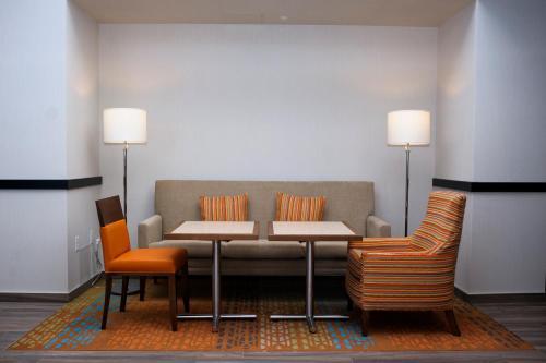 Hampton Inn & Suites Truro NS - Millbrook 27, NS B6L 0C9