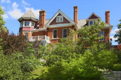 Markdale Manor Bed And Breakfast