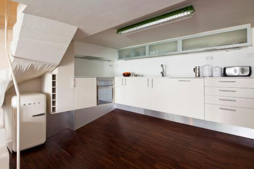 Apartment Barcelona Rentals - Private Pool and Garden Center photo 9