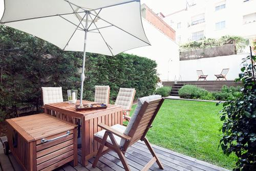 Apartment Barcelona Rentals - Private Pool and Garden Center photo 11
