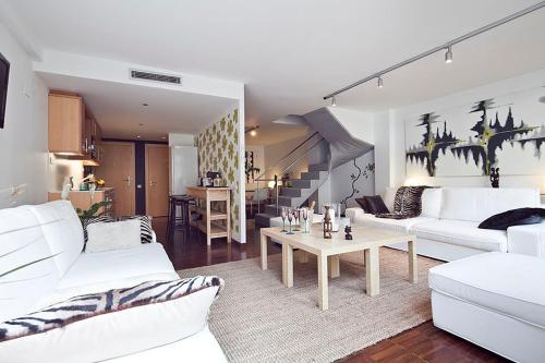 Apartment Barcelona Rentals - Private Pool and Garden Center photo 15