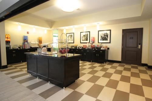 Hampton Inn and Suites Sandusky/Milan in Milan