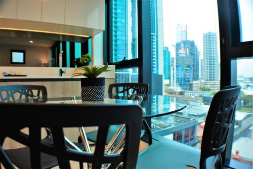 . Royal Stays Apartments Melbourne- Clarke St