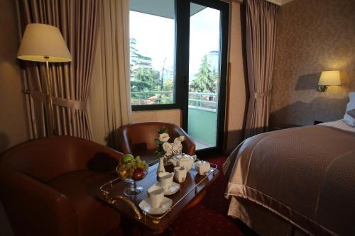 Фото отеля Grand Hotel & Spa Tirana