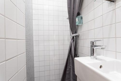 ApartDirect Sveavägen photo 87