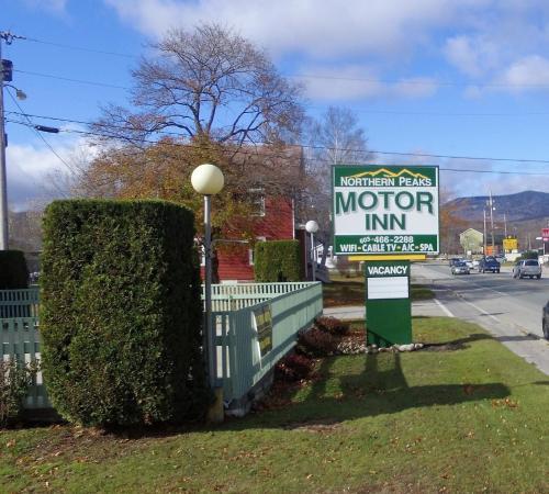 . Northern Peaks Motor Inn