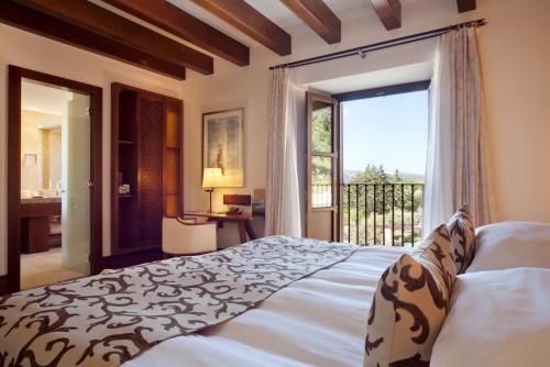 Habitación Individual o Doble Deluxe Castell Son Claret - The Leading Hotels of the World 9