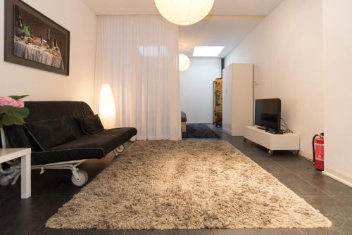 White Room Apartment photo 5