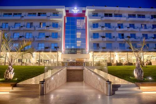 Фото отеля Premium Beach Hotel