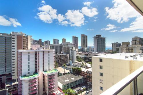 Island Colony Studio 2017 - Honolulu, HI 96815