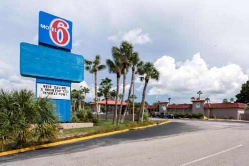 Motel 6-Spring Hill FL - Weeki Wachee