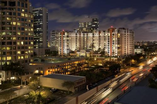Fully Furnished Apartments - Las Olas