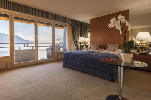 Deluxe Double Room with Balcony - Park and Lake or Lake View