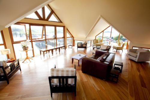 . Inishbofin House Hotel