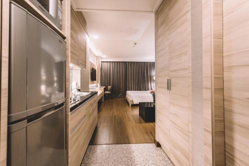 Adelphi Suites Bangkok photo 27