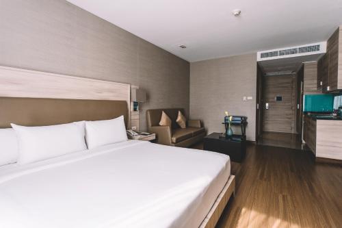 Adelphi Suites Bangkok photo 32