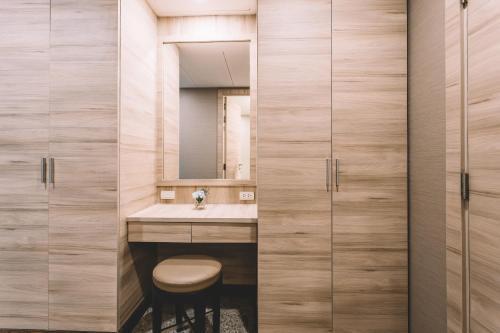 Adelphi Suites Bangkok photo 42