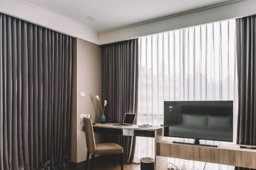 Adelphi Suites Bangkok photo 44