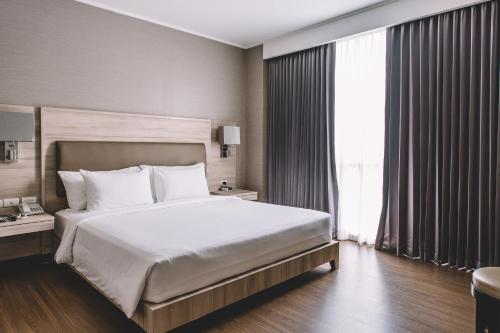 Adelphi Suites Bangkok photo 56