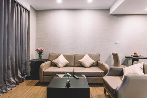 Adelphi Suites Bangkok photo 58