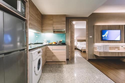 Adelphi Suites Bangkok photo 59