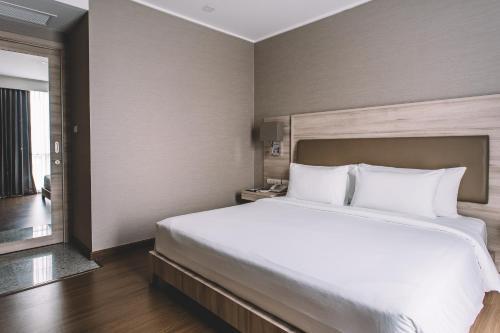 Adelphi Suites Bangkok photo 60