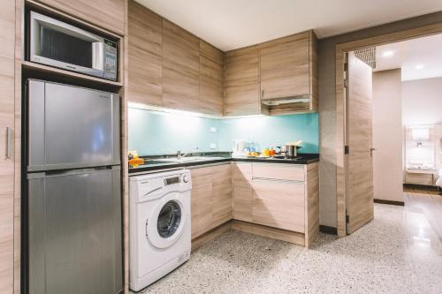 Adelphi Suites Bangkok photo 65