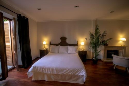 Suite with Terrace Posada Isabel de Castilla 4