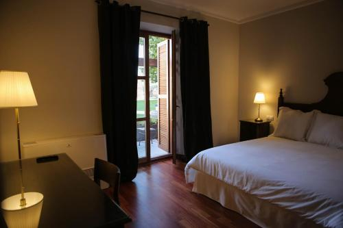 Suite with Terrace Posada Isabel de Castilla 9