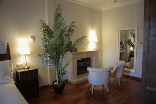 Suite with Terrace Posada Isabel de Castilla 5