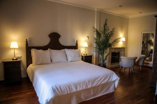 Suite with Terrace Posada Isabel de Castilla 3