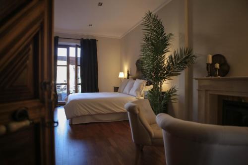 Suite with Terrace Posada Isabel de Castilla 2