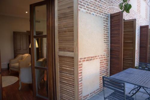 Suite with Terrace Posada Isabel de Castilla 10