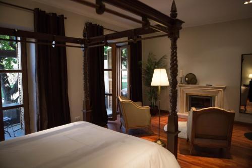 Suite with Terrace Posada Isabel de Castilla 14