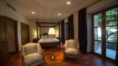 Suite with Terrace Posada Isabel de Castilla 16