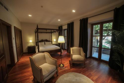 Suite with Terrace Posada Isabel de Castilla 17