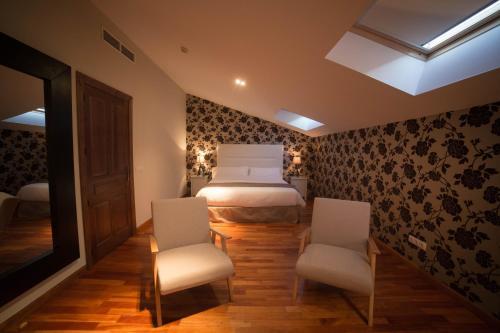 Double Room with Spa Bath Posada Isabel de Castilla 11