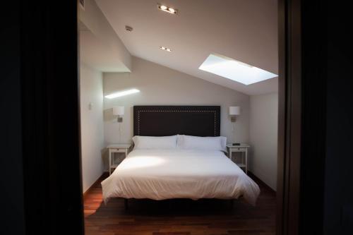 Double Room with Spa Bath Posada Isabel de Castilla 13