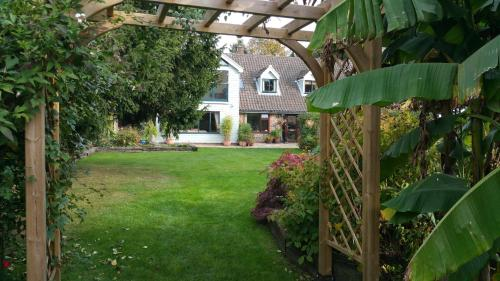 Drinkstone Park Bed And Breakfast