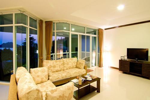 Makathanee Resort room photos